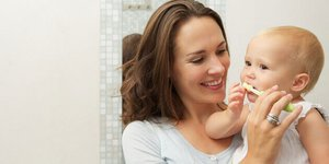 When should I start brushing baby teeth? Tips for starting oral hygiene